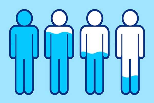 چگونه کم آبی بدن را جبران کنیم؟