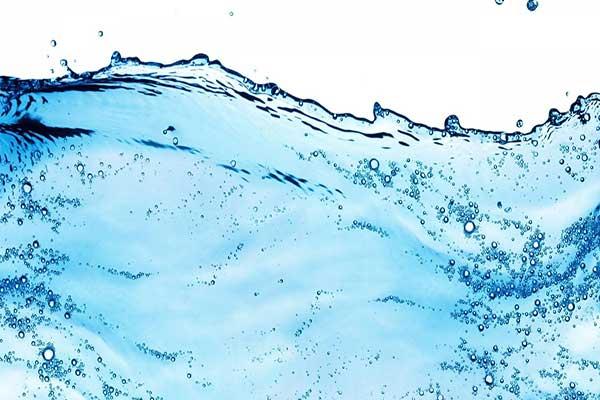 مردان در هر روز 3.7 لیتر آب مصرف کنند