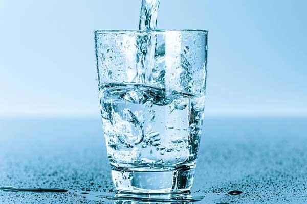 مقدار آب مورد نیاز بدن در هر روز چقدر است؟