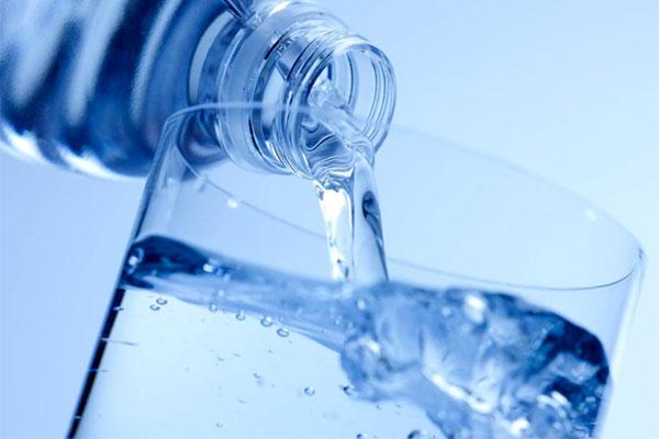 اهمیت پلمپ بودن بطری آب معدنی