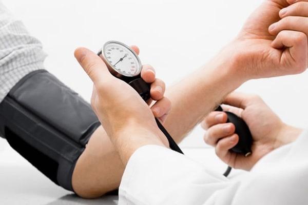 افت فشار بدن یکی از عوارض استخر