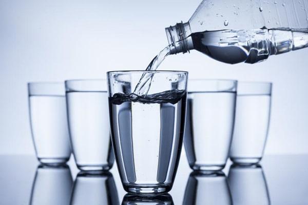 نوشیدن 8 لیوان آب راه حلی برای لاغری سریع