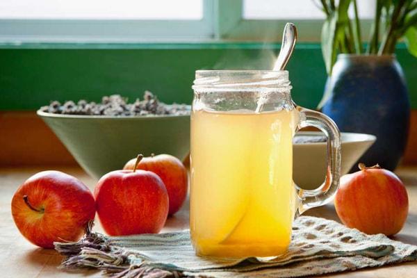 سرکه سیب، عسل و آب ولرم راهکار مناسب برای دفع سنگ کلیه