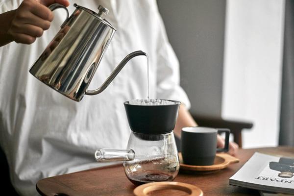 آب آشامیدنی بدون املاح برای قهوه